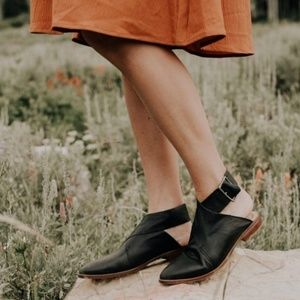 Free People Bryce Wrap Flats Size 9 Worn Once